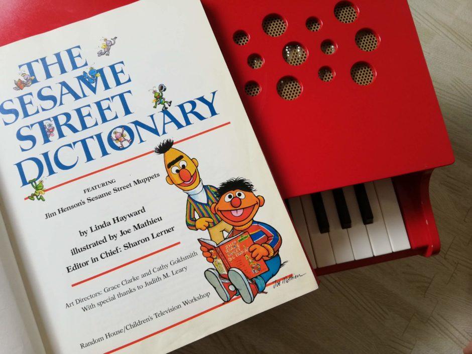 セサミストリートの英語辞典